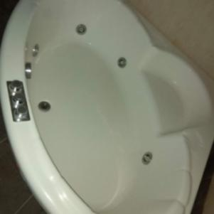 Μπανιέρα Υδρομασάζ