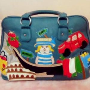 Τσάντα δερμάτινη με έντονα σχέδια & χρώματα