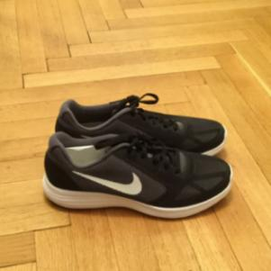 Nike revolution 3 brand new in the box