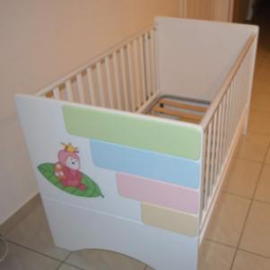 Βρεφική παιδικό κρεβάτι με στρωμα