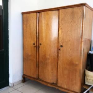 Τριφυλη ντουλαπα