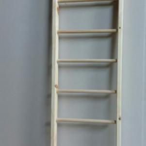 Ξυλινη σκαλα διακοσμιτικη
