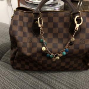 Πωλείται αξεσουάρ τσάντα Louis vuitton