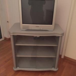 Επιπλο τηλεόρασης