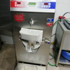 Πωλείται μηχανή παρασκευαστής παγωτού BRAVO