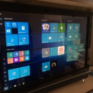 HP iq525grTouchsmart (Touchscreen desktop)