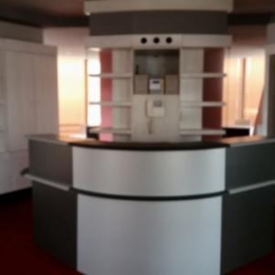 Γραφείο υποδοχής-Ρεσεψιόν