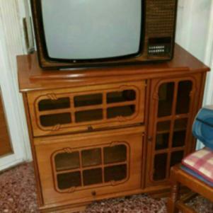 2 Έπιπλα Τηλεόρασης