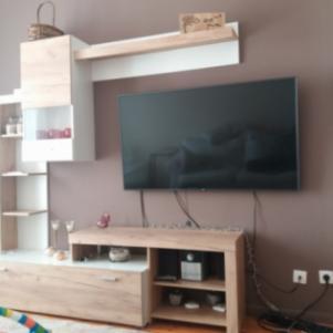 Έπιπλο τηλεόρασης με τραπεζάκι σαλονιού