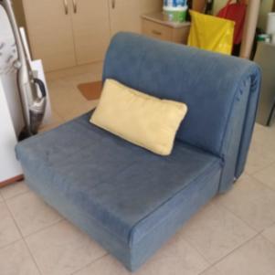Πτυσσόμενη πολυθρόνα - κρεβάτι + μαξιλάρι