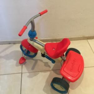 Πωλουνται ποδηλατα little tike και δωρο τα πατινια
