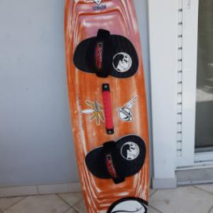2009 RRD POISON LTD TWINTIP KITEBOARD (129x38)