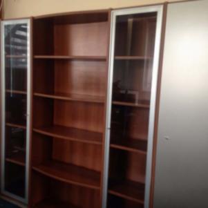 NEOSET Βιβλιοθήκη με βιτρίνες και ντουλάπες