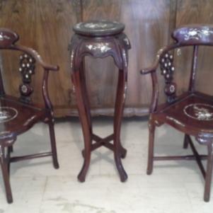 Σετ καρέκλες - τραπέζι/ανθοστήλη