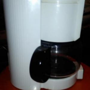 1 καφετιερα φιλτρου σε πολυ καλη κατασταση!