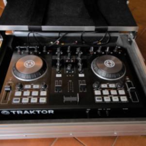Traktor S2 DJ Control