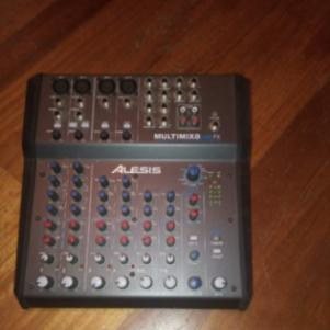 ΚΟΝΣΟΛΑ ALESIS MULTIMIX 8 USB FX