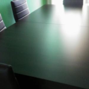 Τραπεζαρία με 6 δερμάτινες καρέκλες