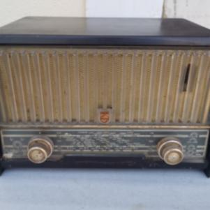 Παλαιό vintage ραδιόφωνο PHILIPS