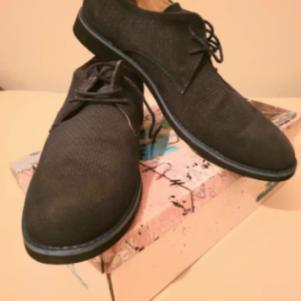 Δερμάτινα καστόρινα παπούτσια καινούρια σε σκούρο μπλε χρώμα.