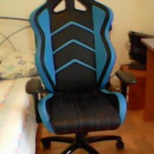 Akracing gaming chair black blue.