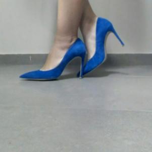 Μπλε ψηλοτάκουνες γόβες