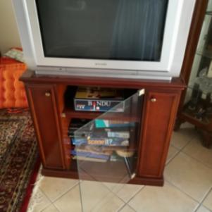 Πώληση Ξύλινου Επίπλου Τηλεόρασης