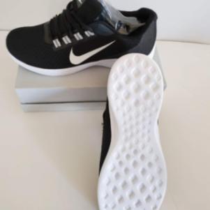 Αθλητικό παπούτσι νούμερο 43 44