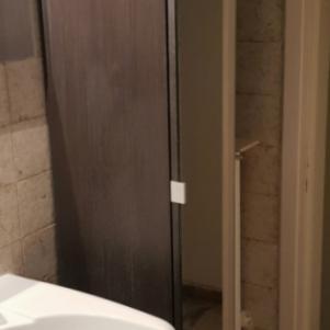 Έπιπλο μπάνιου. Ντουλάπι με 6 ράφια.