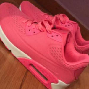 Αθλητικά Παπούτσια????