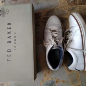 Sneakers Ted Baker μεταχειρισμένα σε καλη κατάσταση στο κουτί το