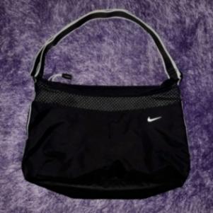 Nike τσάντα