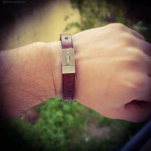 Δερμάτινο βραχιόλι με titanium κλείδωμα /Leather handmade bracel