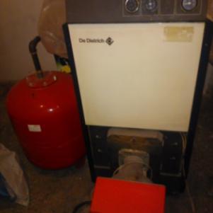 Καυστήρας πετρελαίου + μπόϊλερ (boiler)